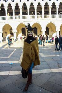 Одеть маску в Венеции