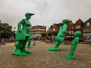 Зелёные скульптуры на острове зюльт